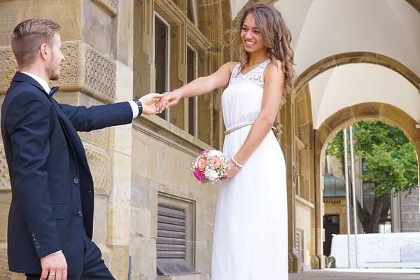 Brautkleid auf dem Standesamt - ja oder nein?