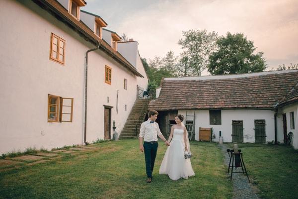 Hochzeit auf einem Bauernhof oder Landhaus - Hochzeitslocation in der Natur